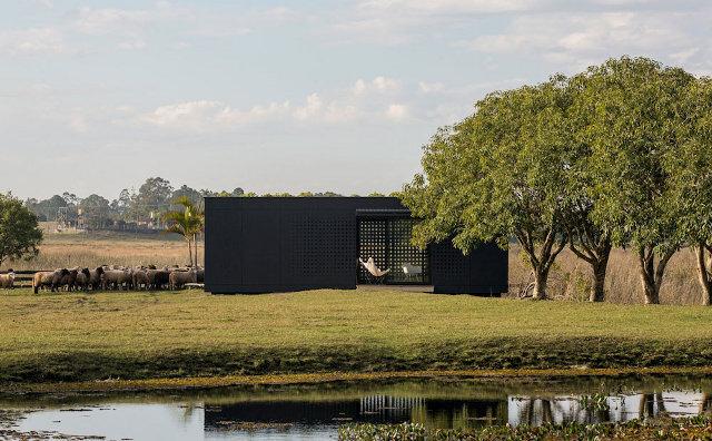 MINI-MOD surenkamas namas fasadas laukai